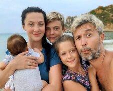 Сергей Бабкин с женой и детьми