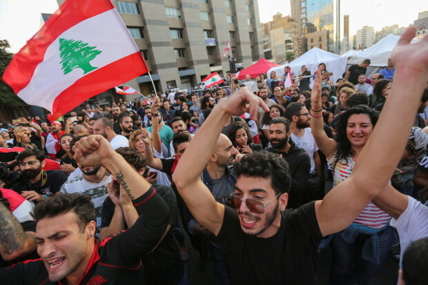 Взрыв в Бейруте: правительство Ливана уходит в отставку из-за массовых протестов