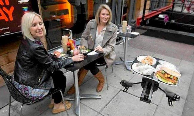Офіціантів у ресторанах замінять дронами