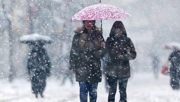 Погода на вихідні: на Україну линуть відразу два циклони