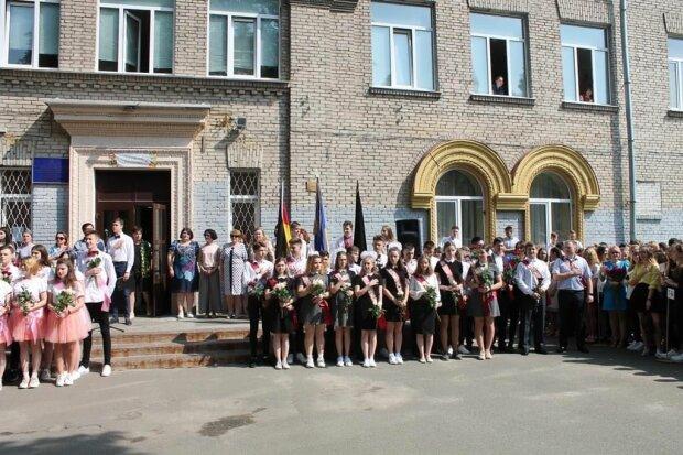 У Києві хворий на китайський вірус вчитель може закрити на карантин всю школу