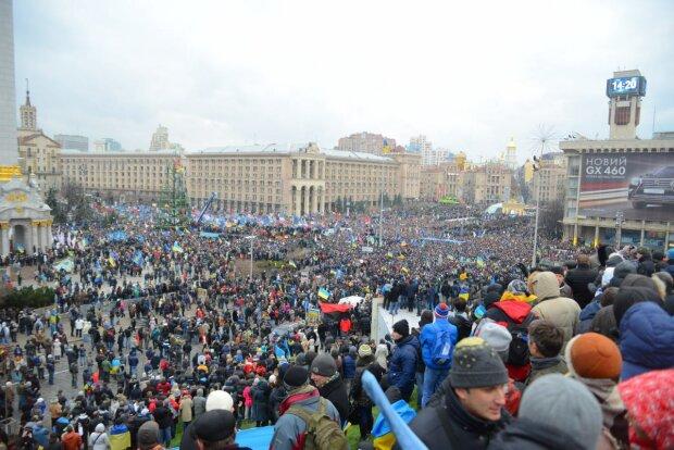 """У Києві сотні студентів вийшли на Майдан, це кінець для президента: """"Почалася Революція Гідності"""""""
