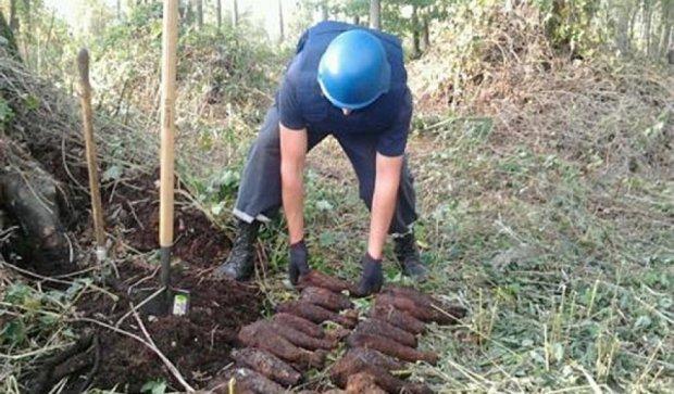 Пиротехники Ровенщины откопали 61 снаряд времен Второй Мировой (фото)