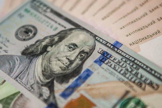 """Эксперты рассказали о влиянии новой 1000 купюры на курс доллара: """"Напечатают вместо 500"""""""