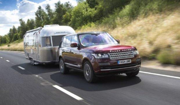 Land Rover создал систему, которая делает трейлер прозрачным (видео)