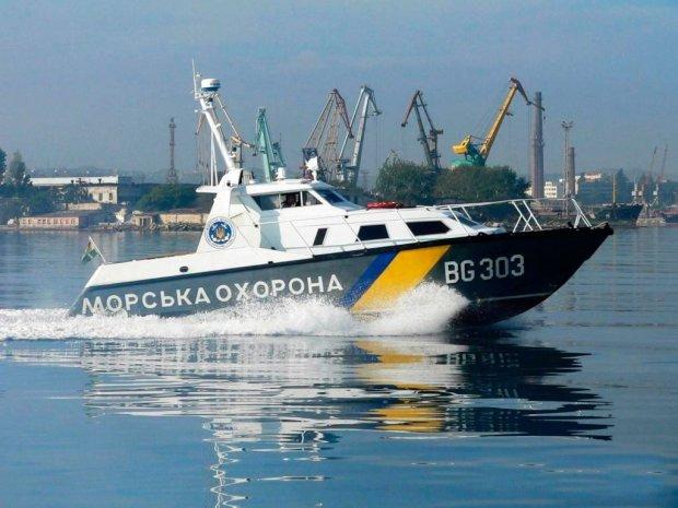 Контрабандизм головного мозку: невдахи з Криму згодували рибам 5 мільйонів пачок цигарок