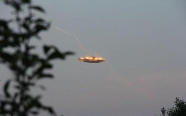 Огромный НЛО ввел в ступор NASA: видео