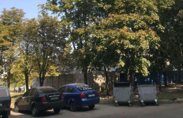 "Харьковчане сушат кроссовки на проводах: ""Сурово"""
