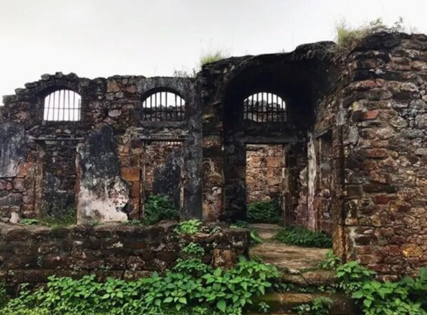 """Звідти ніхто не повертався: археологи показали """"Острів диявола"""" - найстрашнішу в'язницю у світі"""