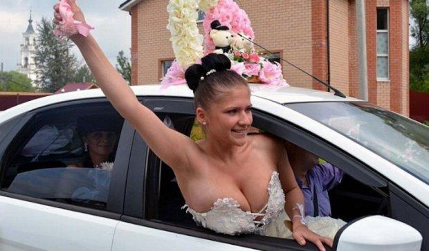 Весільні сукні на межі пристойності (фото)
