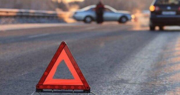 Под Франковском водитель фуры снес пешехода и оставил умирать:  фото трагедии