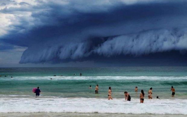 Смертельне цунамі: відео від першої особи, в яких стихія виявилася сильнішою