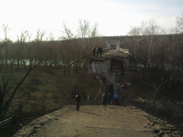 Міст через Сіверський Донець знищили сили АТО