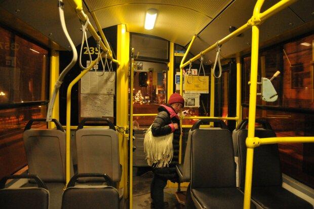 Дальше – пешком: ночной троллейбус в Киеве меняет маршрут