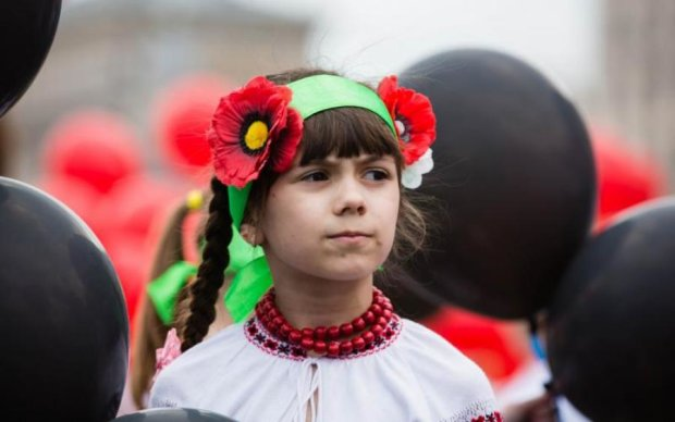 День пам'яті в Україні 2018: історія і традиції