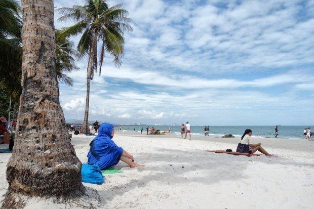 Остров с сюрпризом: популярный курорт не отпускает украинцев домой