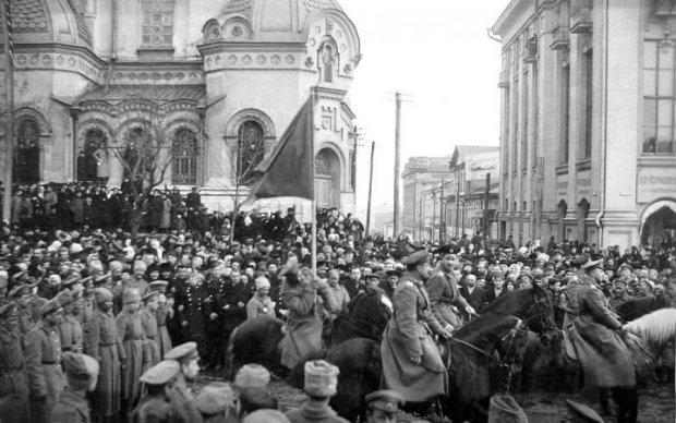 Блогер показал Украинскую Революцию в стиле ленты Facebook