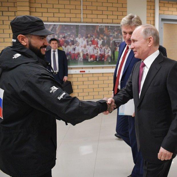 Тіматі вітає Путіна