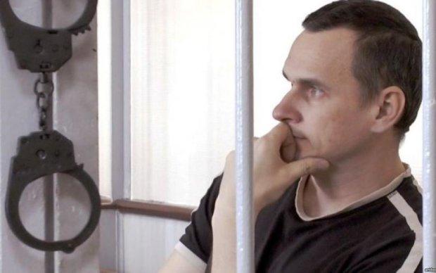 Українські політики кинули Сенцова: рідні політв'язня шокували правдою