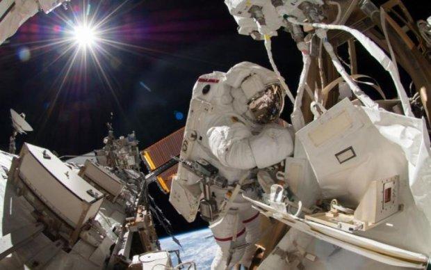 Астронавты США вышли в открытый космос: прямая трансляция