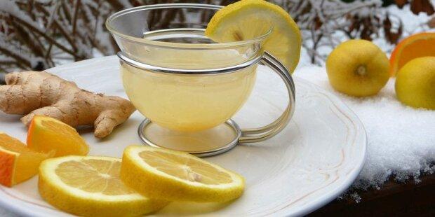 Щоб всі застуди та віруси обходили стороною: цілющий напій з імбиру та лимонів