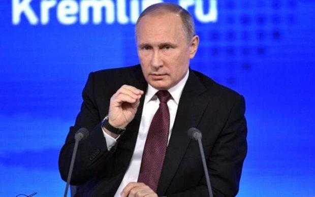 """Щоб довше стояв: московські попи освятили """"гордість"""" Путіна"""
