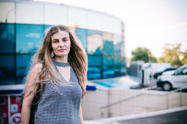 """Зою Мельник прибрали з одеської поліції, патрульна приголомшила заявою: """"Хтось повинен був це зробити"""""""