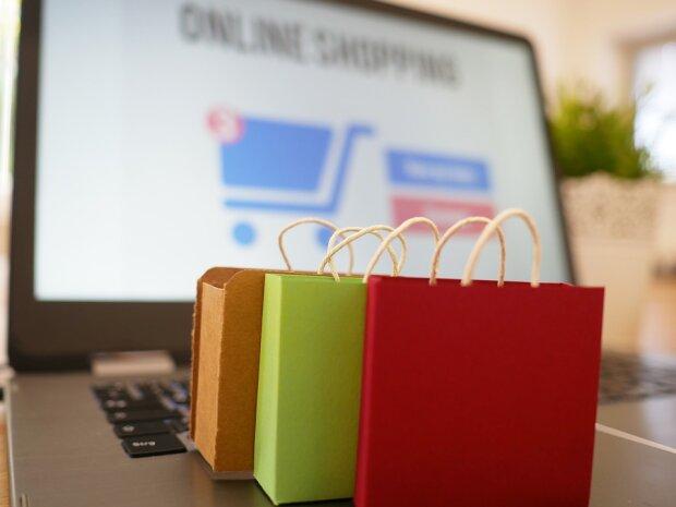 Онлайн шопінг (фото pixabay)