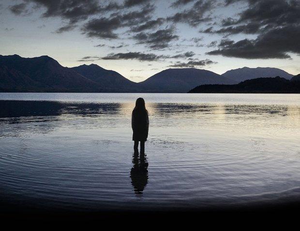 Знак с небес: в небе над озером появилась загадочная аномалия, соцсети не перестают восторгаться