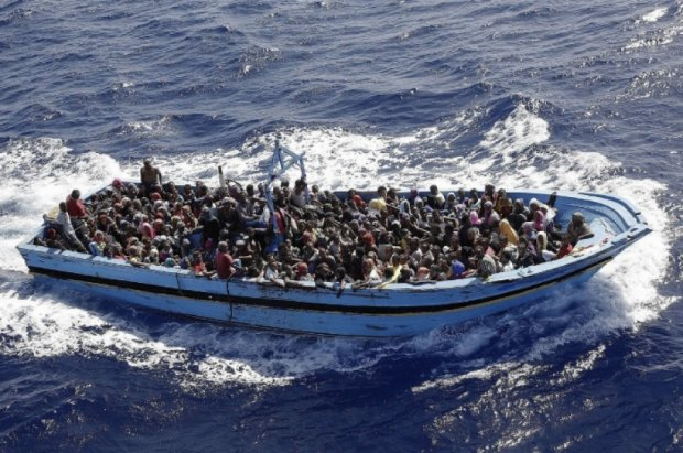 Сотні нелегальних мігрантів затонули в Середземному морі