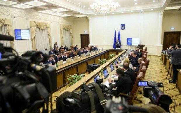США подложили Украине большую экономическую свинью