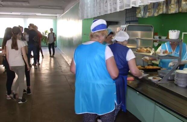 Школьная столовая, кадр из видео