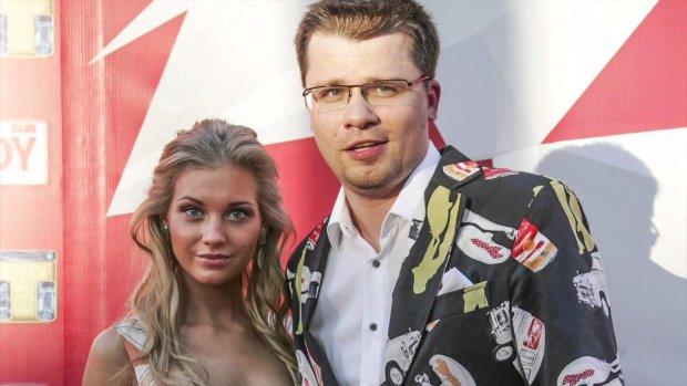 Не схожа: користувачі соцмереж не стрималися, побачивши фото подорослішої доньки Харламова і Асмус