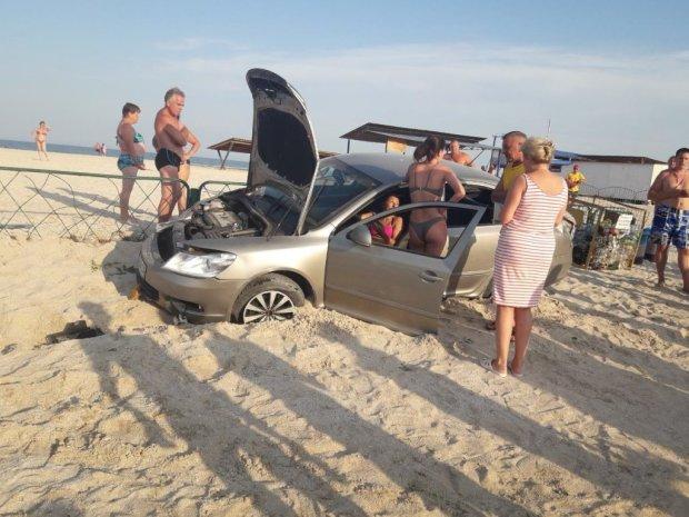 Три сальто і на пляжі: п'яна ДТП на Запоріжжі поставила в ступор сотні відпочиваючих