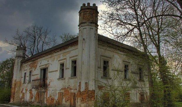 У Львівській області продають архітектурний шедевр за $ 15 000 (фото)
