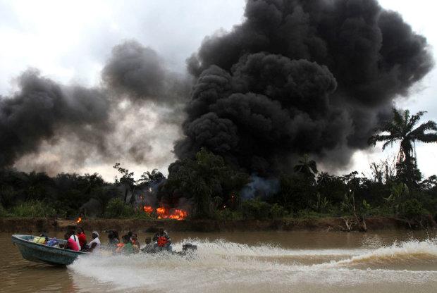 Смертельна нафта: пекельний вибух забрав життя десятків людей