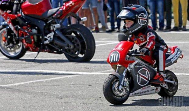 Самый юный украинский мотоциклист установил рекорд (фото)