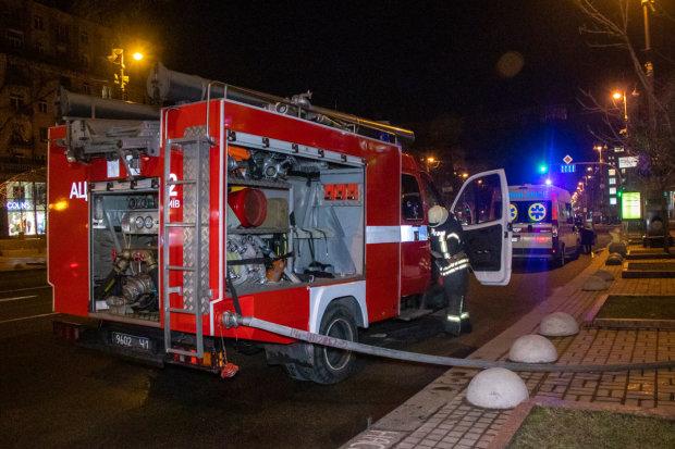 Мариуполь расплавился от адского пламени, горит жилой дом: есть пострадавшие