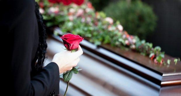 Чому не варто відвідувати кладовище наодинці