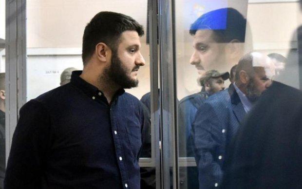 Шоу закінчилося: суд відпустив Авакова