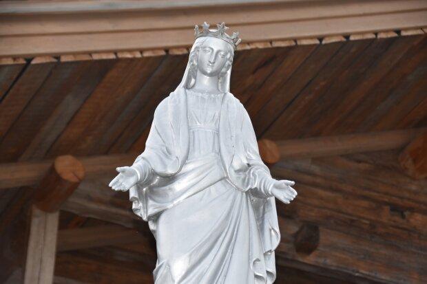 Різдво Пресвятої Богородиці: історія, традиції та заборони свята