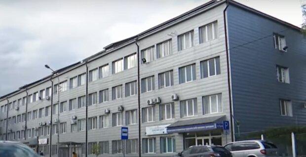 """Во Львове протезный завод на грани банкротства: голодные рабочие пол года вкалывают """"за спасибо"""""""