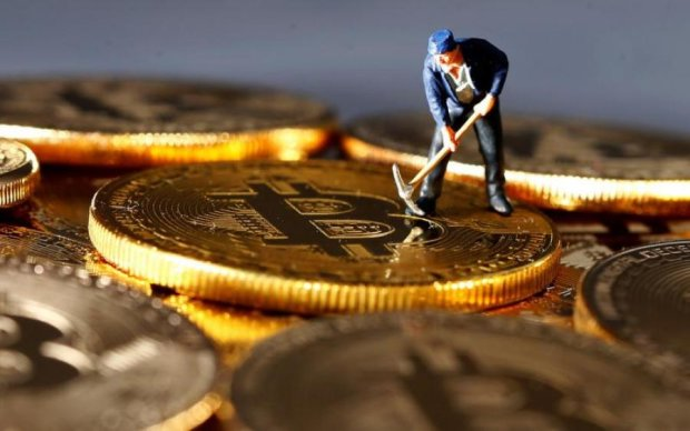 Курс биткоина на 23 марта: криптовалюта резко сменила направление