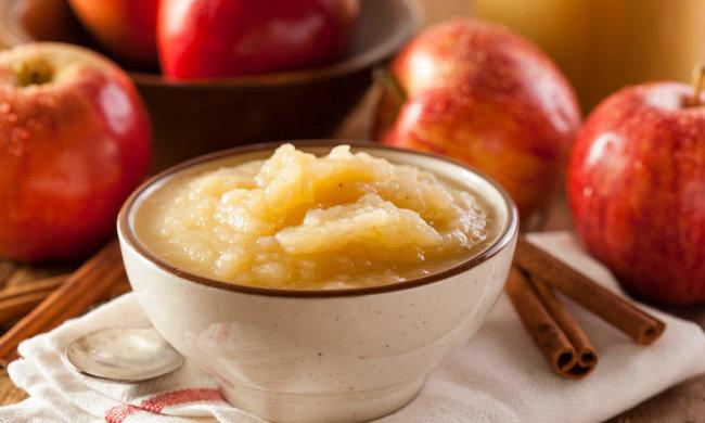 Швидко та смачно: рецепт яблучного соусу