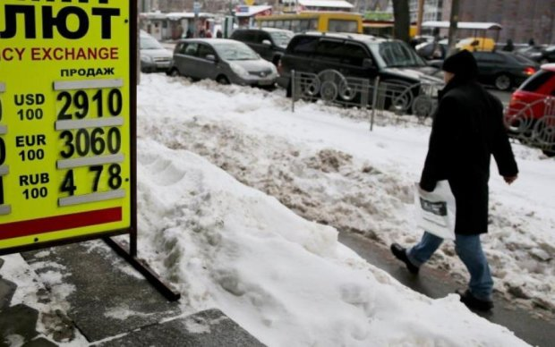 Курс валют на 22 марта: гривна продолжает радовать украинцев