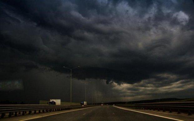 Погода у Києві на 7 липня: хмари розфарбують небо в сірий