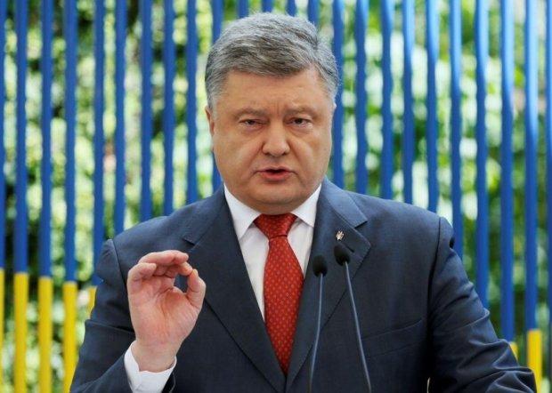"""Данилюк рассказал, как Порошенко хотел ввести пошлины на импортные авто: все ради """"Богдана"""""""