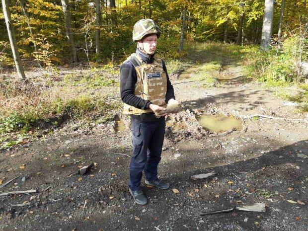 На Закарпатье обнаружили взрывчатку, фото zk.dsns.gov.ua