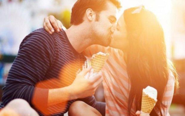 Летний интим: ученые объяснили зверское желание людей