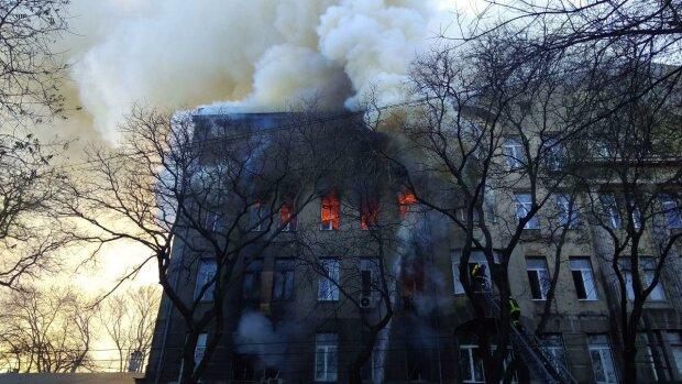 Пожежа у одеському коледжі, фото: Думская